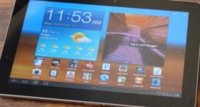 The home screen on the Samsung Galaxy Tab 10.1 can be easily customized based on personal preferences