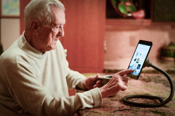 Tech Gifts for Seniors and Boomers